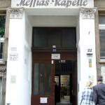 Eingang der Messiaskapelle / Vorderhaus